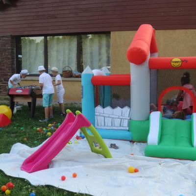 Un château gonflable à Trémelin